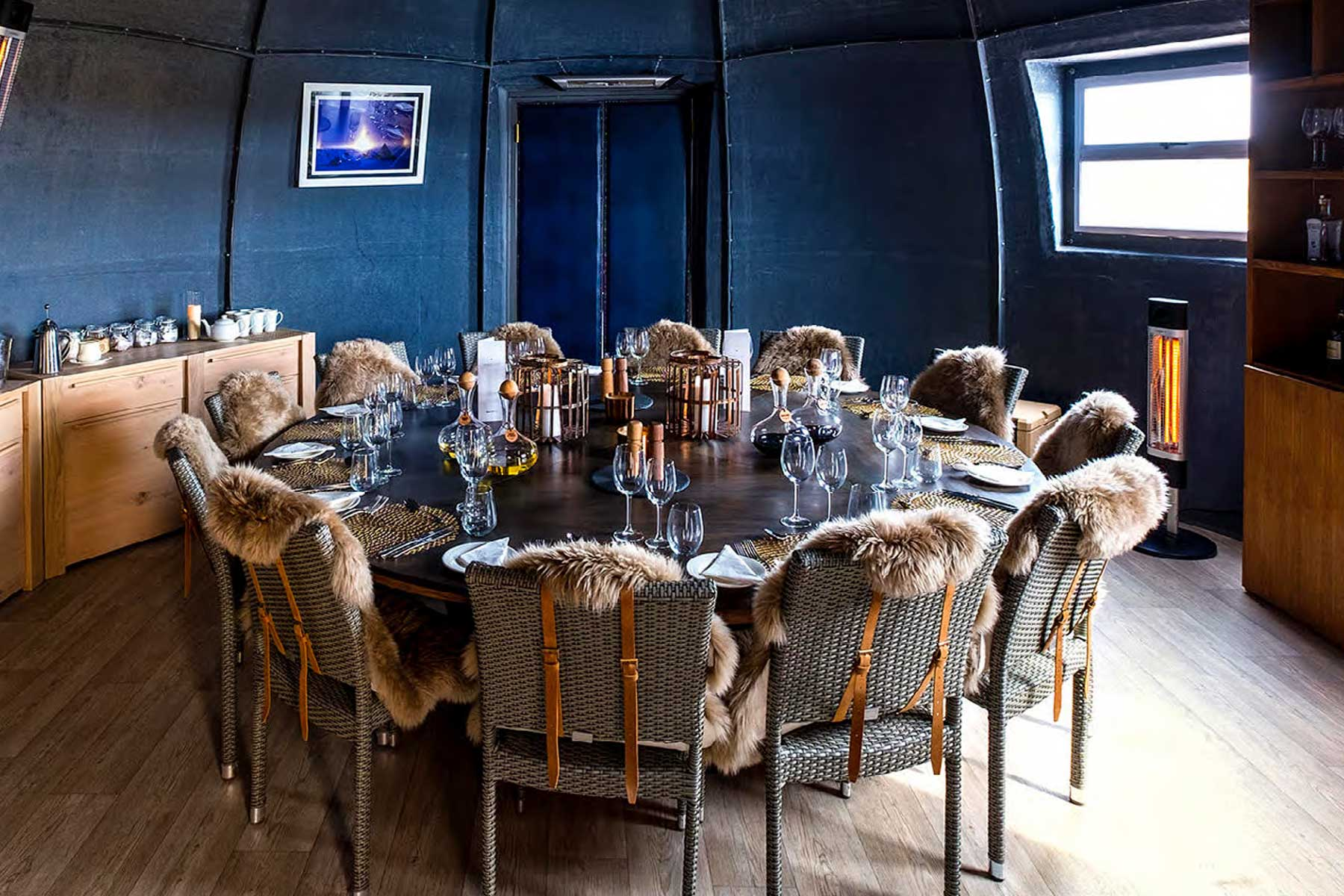 Whichaway Oasis营地餐厅
