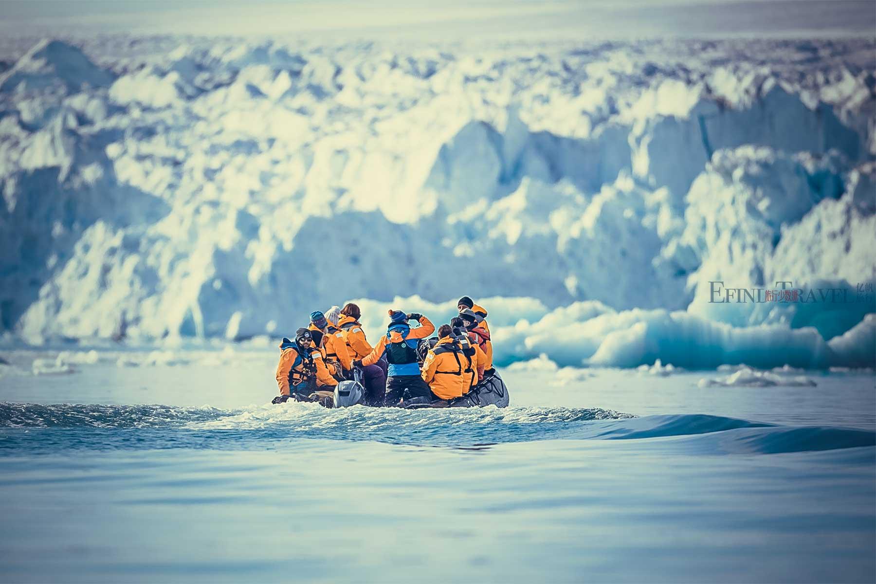 北极冲锋艇巡游