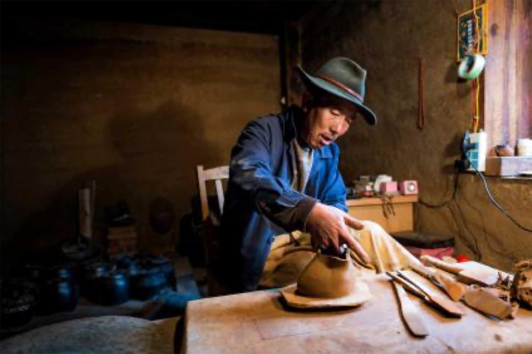 尼西的制陶匠人